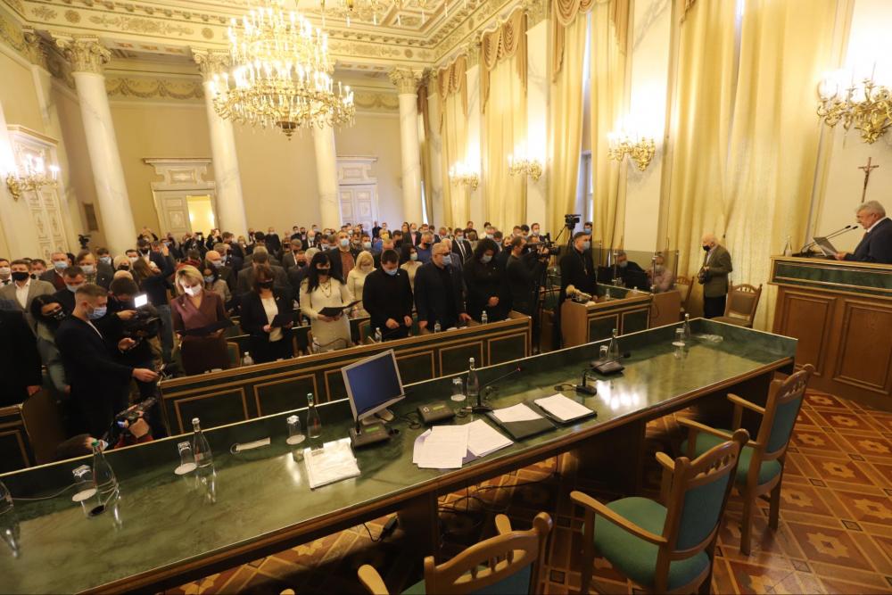 Новообрані депутати Львівської обласної ради склали присягу